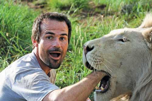 Kevin Richardson Lhomme Qui Murmurait à Loreille Des Lions
